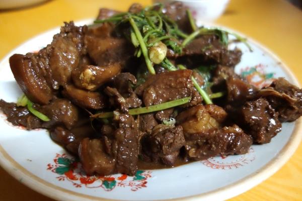 China-carne-de-perro-Yun-Huang-Yong
