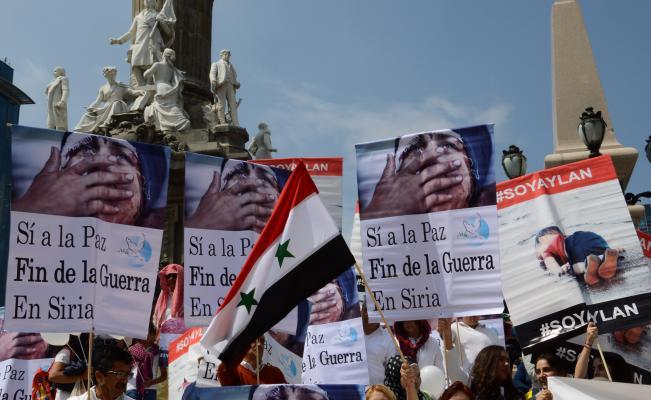 Residentes árabes en México se manifiestan pidiendo apoyo a Siria. FOTO: EL UNIVERSAL