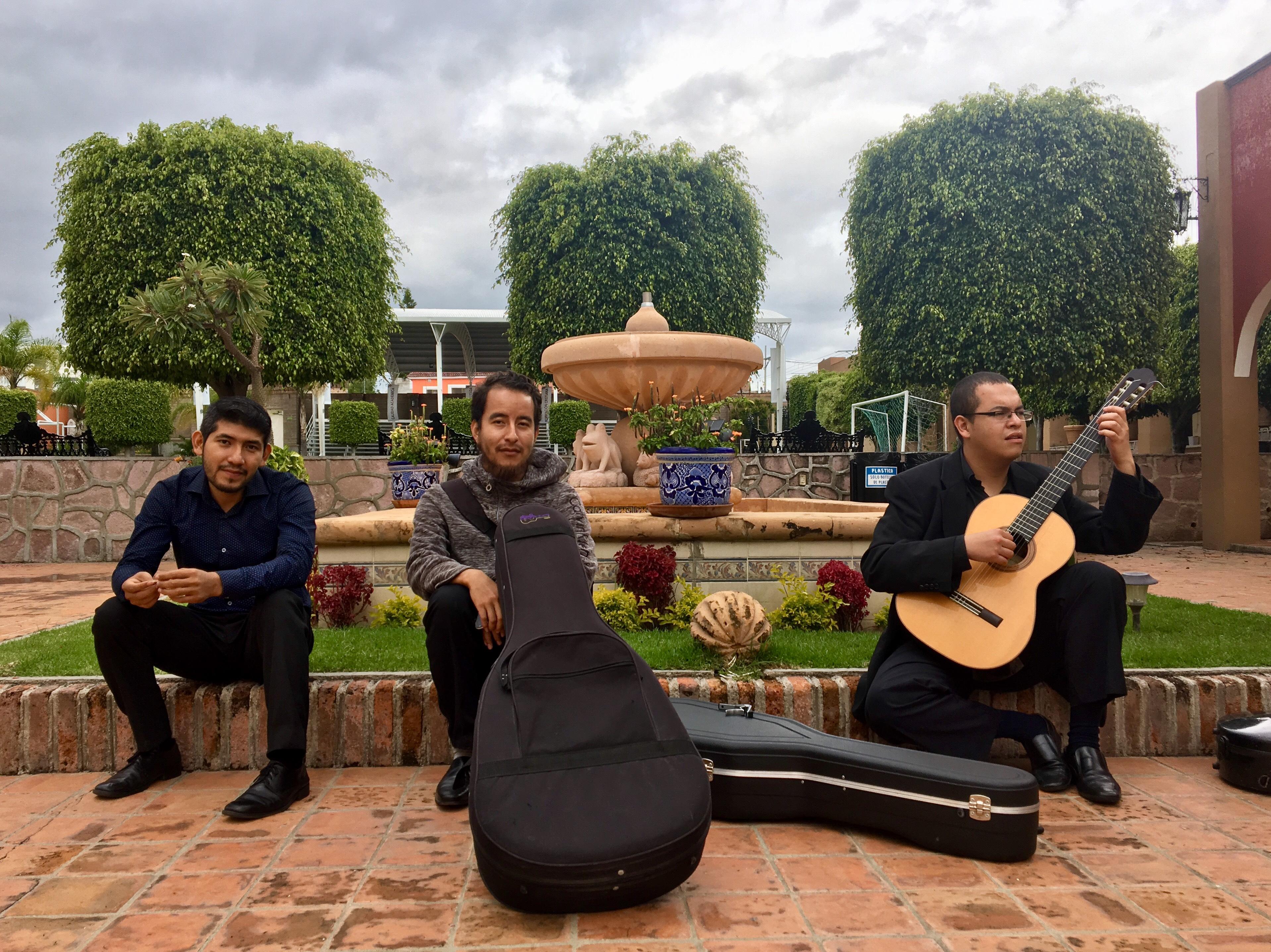 Guitarristas participantes del IV Festival Internacional de Guitarra en Lagos