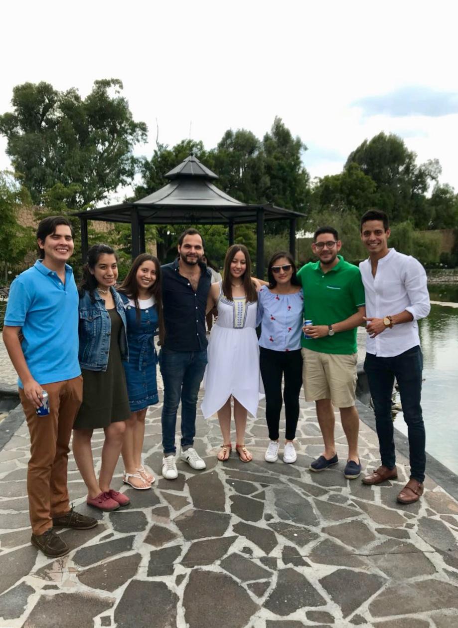 Alumni de la generación 2014-2018 de periodismo.