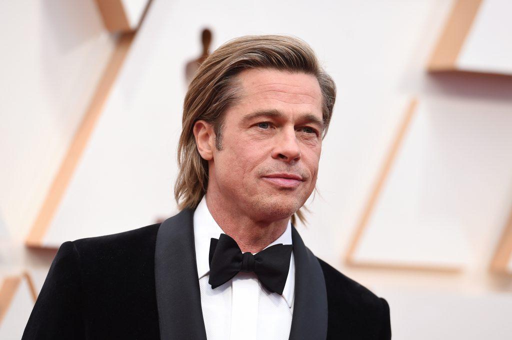 Brad Pitt, ganador de mejor actor de reparto.
