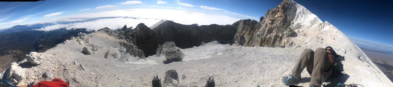 Después del glaciar viene el crater del Pico de Orizaba.