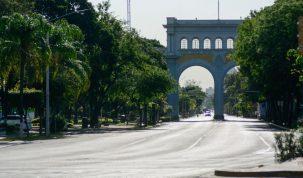 Los Arcos en Domingo sin gente