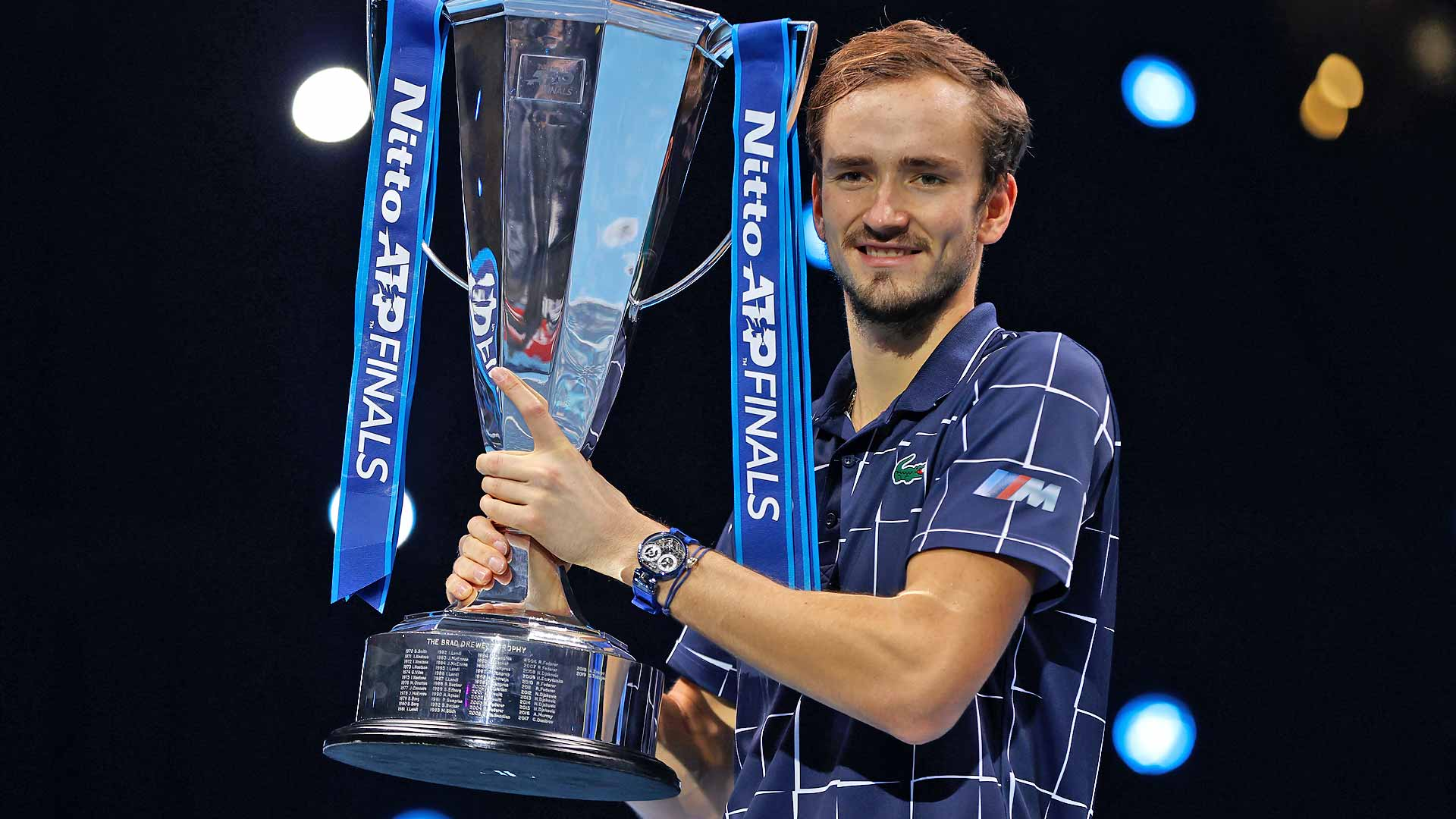medvedev-nitto-atp-finals-2020-trophy